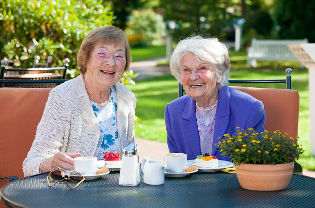 Senior-Female-Best-Friends-Yorba-Linda-Senior-Care-Websites